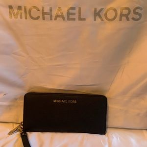Michael Kors large Jet set black wallet